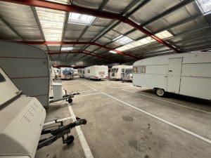 parking couvert et fermé pour caravanes à Messanges